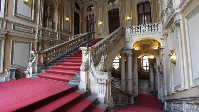 Interno di Palazzo Barolo a Torino: umile sede alternativa per le lezioni dopo la chiusura forzata di Palazzo Nuovo
