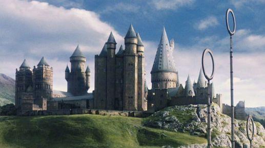 Hogwarts_da_lontano